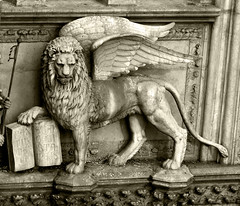 Winged Lion (ulbekis) Tags: venice italy italia venezia dogespalace wingedlion