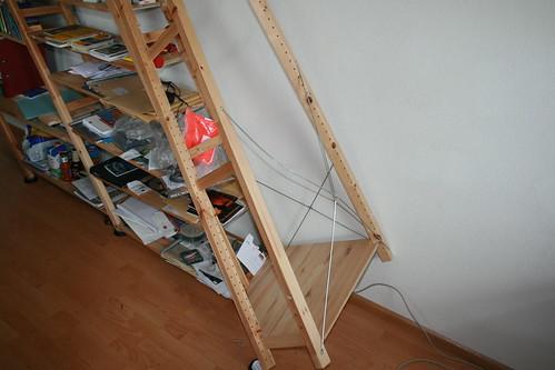 Ikea wandregal befestigung  Eingestürztes IKEA-Regal | tessarakt – das vierdimensionale B-L-O-G