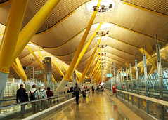 Madrid - Barajas (Angela Radulescu) Tags: madrid yellow airport spain espana t4 terminal4 barajas madridbarajas mywinners