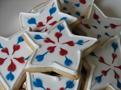 Star Cookie Favors (Whipped Bakeshop) Tags: summer philadelphia stars keys fireworks sweet treats fourthofjuly philly royalicing decoratedcookies cookiefavors zoelukas whippedbakeshop redwhitebluepatriotic july4cookies independencedaycookies summercookies bestofphilly2010 philadelphiacakescookiesandcupcakes