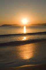 aparea (VanMagenta) Tags: floripa brazil man praia beach brasil sunrise iron flickr magenta florianopolis van amanhecer aplusphoto vanmagenta