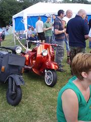 custom show (mark & anne's photos) Tags: vespa rally lambretta scooters custom scooterrally bretta ronniebiggs