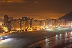Mirante Niemeyer (Luiz Henrique Assuno) Tags: city cidade brazil brasil canon eos mar santos noturna 2008 nocturne sovicente 40d licassuncao