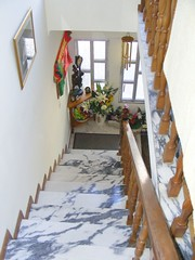 Marble Stairs to downstairs (nandnjudge) Tags: rio inside 2008 torto