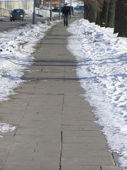 sidewalk (Eduardo Garcs) Tags: cold ice lago nieve baltic freeze klaipeda helado hielo lithuania vilnius lithuanian bajocero vilna memel nerija lituania curonianspit neringa bltico sottozero kajpeda memelburg