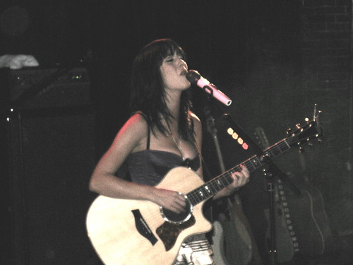 katy perry guitare 3