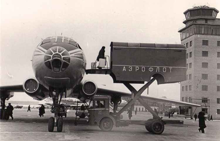 "Москва 1956. ""ТУ-104"". Фотограф Б.Вдовенко"