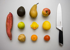 Yellow duck (Jokull) Tags: food orange apple fruit dinner tomato table lunch island photo iceland 11 photograph mango pear potatoe setup lime lemmon icelandic knive yellowduck sweetpotatoe traveltoiceland cometoiceland