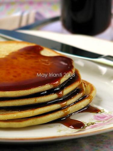 Pancake Santan Saus Kinca