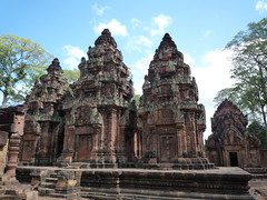 Banteay Srei (antjeverena) Tags: orange temple cambodia monk angkorwat siemreap banteaysrei religios