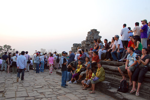 the crowd at phnom bakheng for sunset