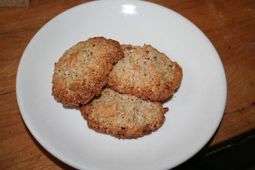 ka salted cashew crunch cookies