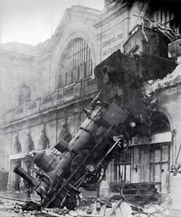 train_wreck_at_montparnasse_1895_small