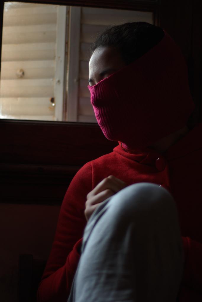 tilsa ventana rojo 05