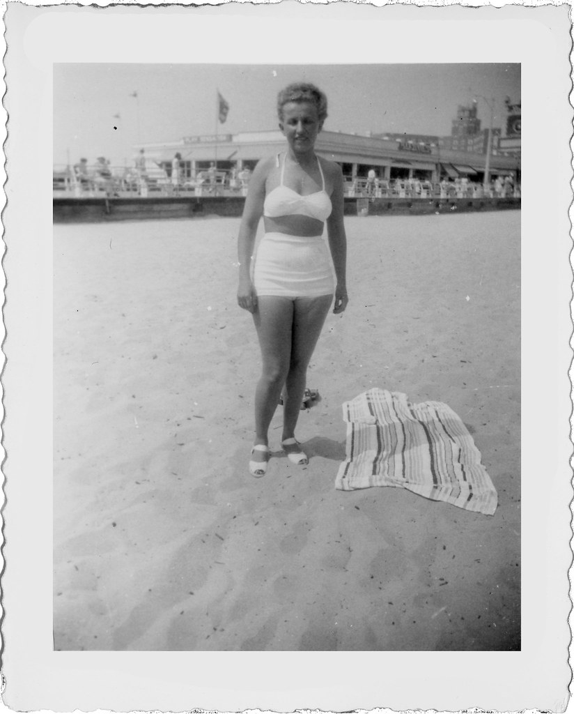Thelma in white at beach L858