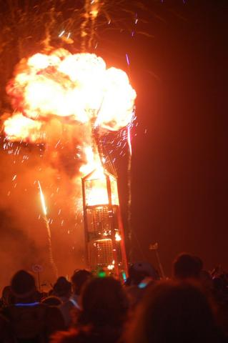 Burning Man climaxes