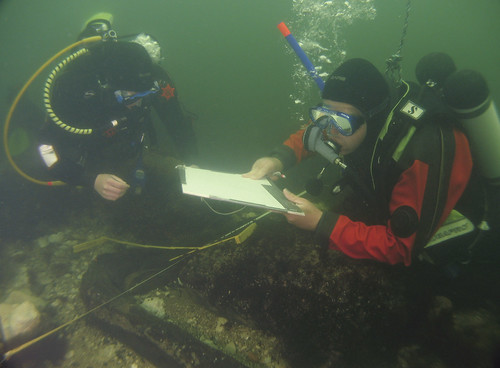 MAP divers recording a timber at Brusviken