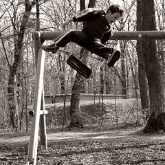 Simon, flieg! (kubse) Tags: boy simon action explore schaukel himmelswiese schiesstätte