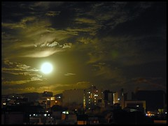 Noite de lua cheia (Claudio Marcon) Tags: brazil sky moon brasil backlight night contraluz nikon céu lua noite santamaria rs riograndedosul luar fotoclube newacademy brillianteyejewel platinumheartaward goldstaraward claudiomarcon ubej claudiolmarconribeiro