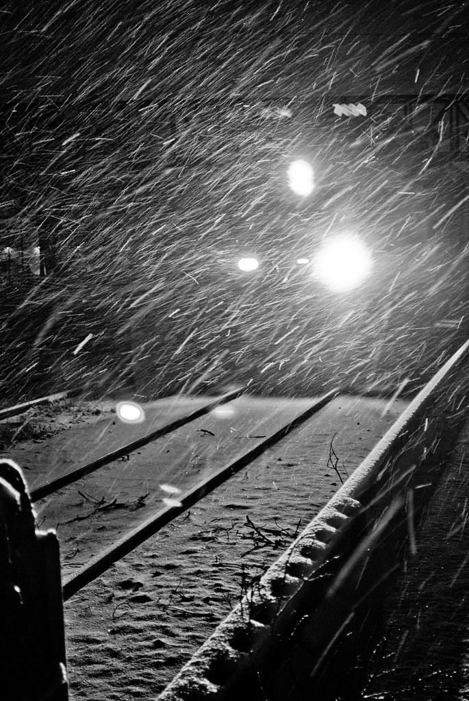 train in snowfall