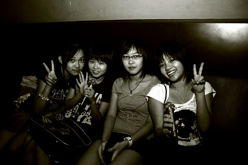 四个女生。 by you.
