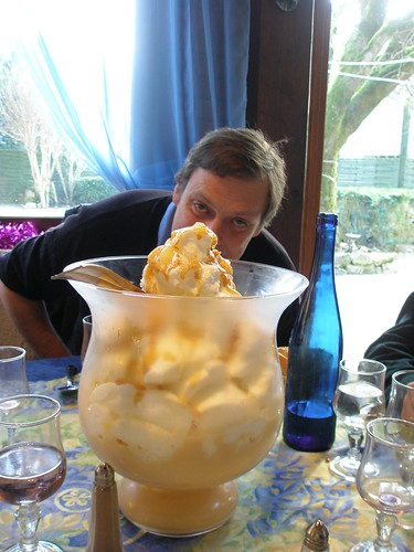 21.12.08 Lunch at Les Tilleuls in Souillac - Dessert - Simon hiding behind the isles flottante