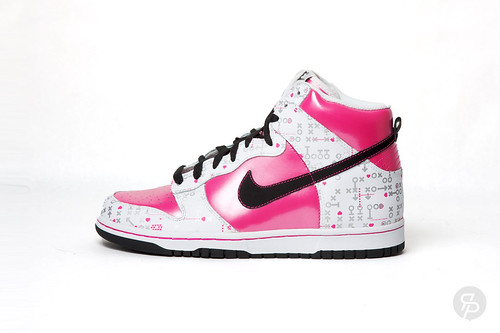 Ice colored suede with brown leather bumper. Girls Nike Dunk High 3d435db579e4