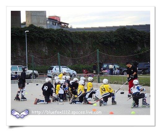 081227永和自行車道03_曲棍球訓練營的小朋友