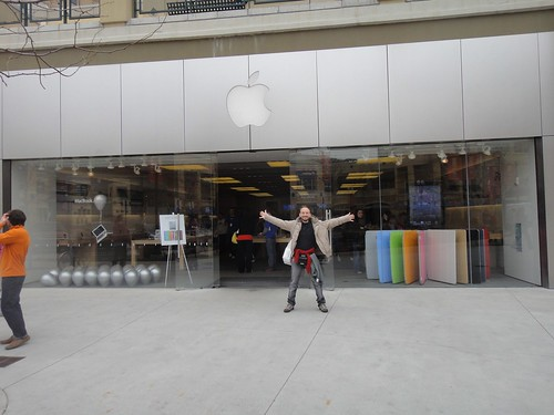 Apple Store in Salt Lake City, UT