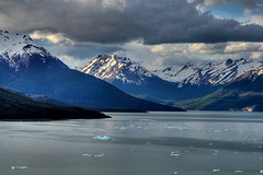 on the rocks (inate) Tags: blue patagonia lake snow mountains ice southamerica argentina glacier lagoargentino santcruz glaciallake naturesfinest parquenacionallosglacieres
