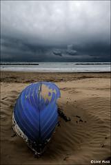 Insabbiata (Valerio Musi Photographer) Tags: sea beach boat barca mare seascapes d200 musa spiaggia scogliera follonica maredinverno nikkor1224 wwwnikomusait wwwvaleriomusiit