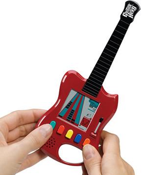 Guitar Hero Carabiner - El Guitar Hero de bolsillo 2475332981_f73c74a606