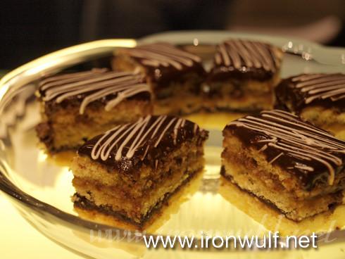 Opera Mini Cakes