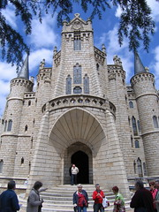 "Bishop's Palace in Astorga • <a style=""font-size:0.8em;"" href=""http://www.flickr.com/photos/48277923@N00/2623073238/"" target=""_blank"">View on Flickr</a>"