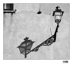 Light with shadow (Monika Ostermann) Tags: light shadow bw monochrome lampe streetlight sw schatten blackdiamond strassenlampe blackwhitephotos bwartaward strassenlaterns