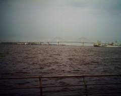 【写真】VQ1005で撮影した臨港パークから見るベイブリッジ