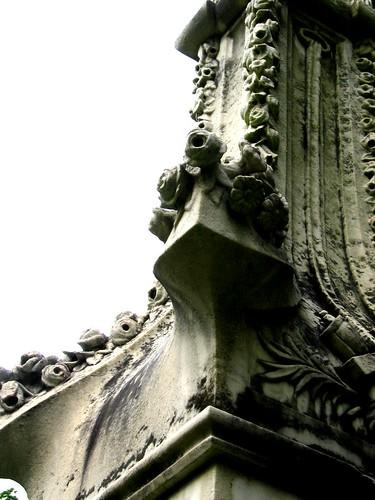 Graves detail
