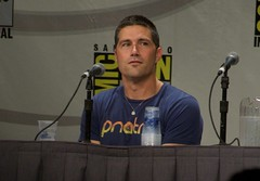 Matthew looks out at the crowd (ewen and donabel) Tags: california lost unitedstates panel sandiego comiccon matthewfox damonlindelof carltoncuse 7003000mm