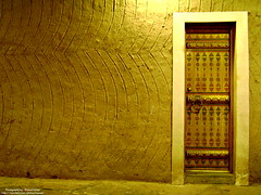 Old Arabian Door (Waseef Akhtar) Tags: door old light night gold sony arabian riyadh saudiarabia ksa sonydscs650