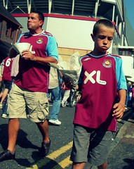 West Ham 4, Blackburn 1 (Herschell Hershey) Tags: boy food london football fast chips blackburn replica strip futebol greenstreet cheerio suedehead londonist westham uptonpark alancurbishley