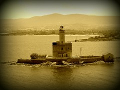 Il Faro (Alessandro Mari) Tags: sardegna sea landscape faro photo mare foto harbour olympus porto paesaggio olbia seppia stupenda olympussp570 artofimages rocchecastelli rocchefariecastellicastleslighthosesbelltowers