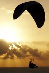 volando libre (briveira) Tags: espaa spain san corua pedro galicia monte parapente