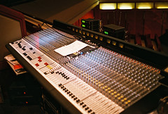 Yashica E35GX _6 New Mixer (Daniel Y. Go) Tags: film analog fuji superia philippines mixer yashica gx fujisuperiaxtra400 electro35 yashicaelectro35gx 40mmf17 wowiekazowie gettyimagesphilippinesq1