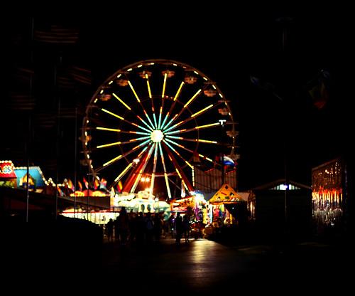 Lomo Ferris Wheel 2