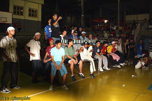 Hip-Hop Batalha 04 por você.