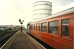 NIR0088 No. 171 Slive Gullivan in Belfast Central, back view with wooden coach (Johannes J. Smit) Tags: trains northernireland railways nir