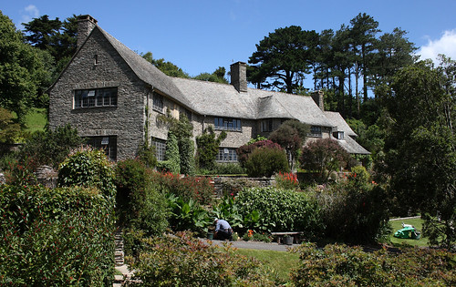Coleton Fishacre, Devon - flckr - chillihead