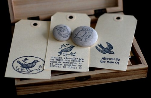 linen pins n'  tags