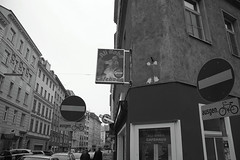 Ali Baba (montnoirat) Tags: vienna wien leica blackandwhite film monochrome austria blackwhite sterreich interestingness interesting fuji delta super xp2 f 400 finepix m8 pro plus sw fujifilm hp5 p 100 pan kodachrome monochrom agfa schwarzweiss s3 weiss zero ilford fp4 m6 apx schwarz bianconero 1870mm vienne afs x1 f3545g leicacamera dx georg m9 m7 x2 ifed interessant fmount zoomnikkor be  nikonfmount schwarzenberger montnoir montnoirat blackandwhiteawards leicam9 truetobw nikonflickraward pureblackandwhite nikonfbajonett photoshopdenier georgschwarzenberger leicakamera  leicam9monochrom leicam9monochrome
