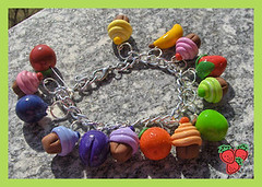 Bracciale cupcakes e frutta - fimo - polymer clay (*Merylu*  PetiteFraise) Tags: orange apple fruit cherry handicraft strawberry colours handmade plum craft jewelry bijoux banana polymerclay fimo cupcake clay bracelet etsy frutta fragola mela jewellry arancia polymer ciliegia prugna mirtillo braccialetto bluebarry